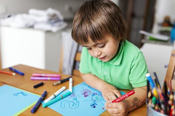 孩子学画画长大只能当画家?美术生的职业规划了解一下