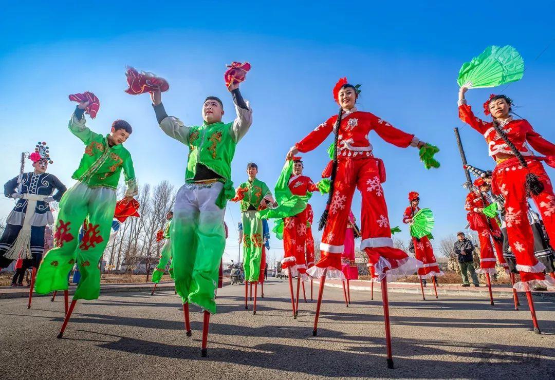 """努力让京味儿特色的舞蹈""""绝活""""不""""绝""""——略探北京高跷秧歌的传承发展"""